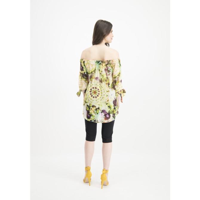 Leichte Carmenbluse COMITA mit Batik-Design /