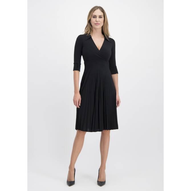 Bezauberndes Kleid VIGIARA mit feinen Plissee-Falten /